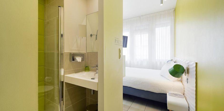 HOTEL LES VOILES TOULON - Toulon, France